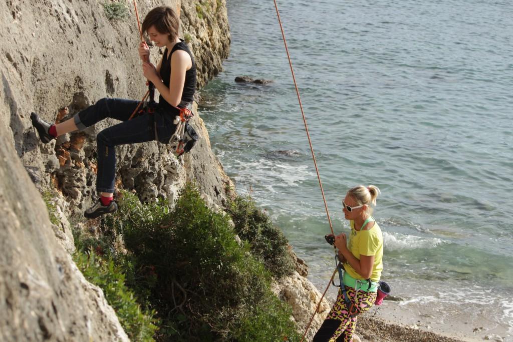 Klettern in Cala Magraner mit Freunden